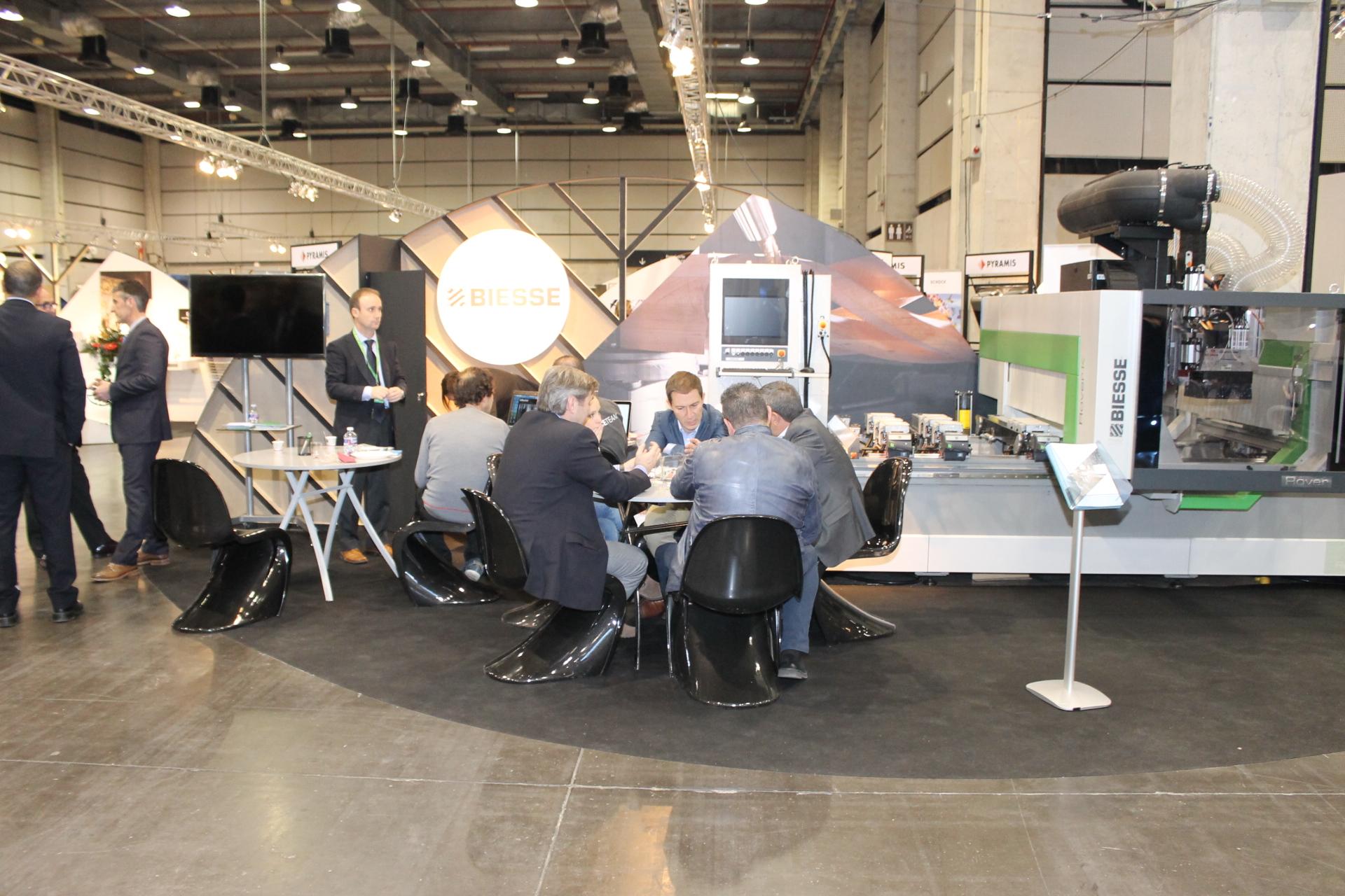 Biesse exhibió en Maderalia Selección su nuevo centro de trabajo Rover K