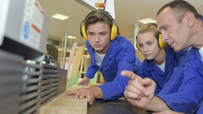 FIMMA – Maderalia mostrará el funcionamiento real de una carpintería durante la feria con alumnos de FP